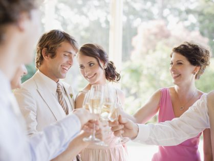 5 Ways To Meet Someone At A Wedding